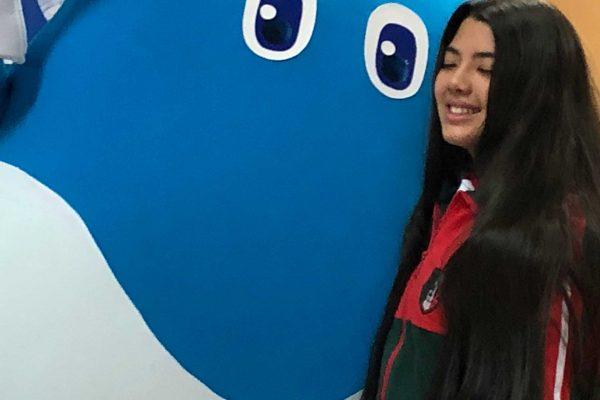 "Campaña del agua bautizó a mascota ""Amigota"" y socios premiaron a creadora del nombre"